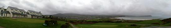 Newport -Trefdraeth, UK: The panoramic view from hotel and rooms