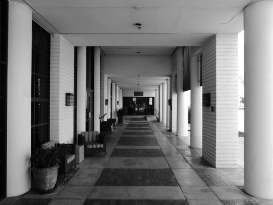 Orange Tree Golf Resort: Main Lobby rear entrance