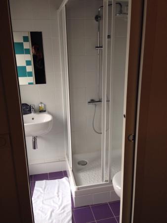 Hôtel des Métallos  : Bagno-doccia
