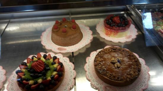 Emporio Rulli : Beautiful cakes