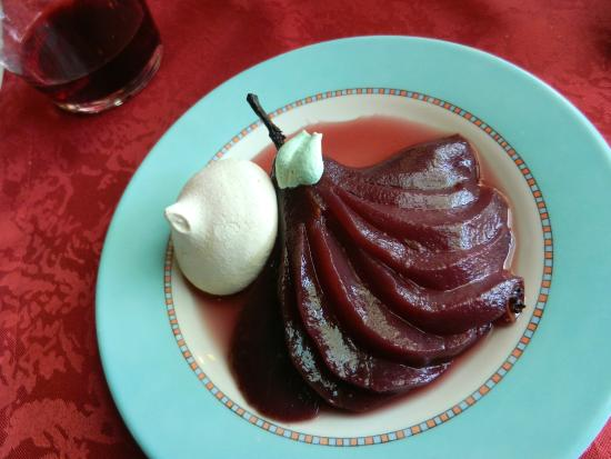 Le Chalet du Lac : Pear in Red Wine - recommendable.