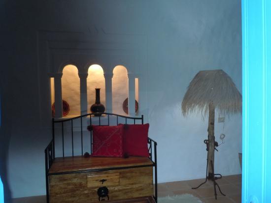 Dar Zina: un décor raffiné dans un chambre calme et confrtable