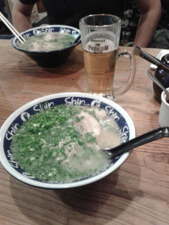 Shin Shin Tenjin-branch : Hakata Ramen, buon appetito
