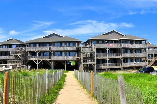 Lighthouse view oceanfront lodging updated 2018 resort - Hotels in buxton with swimming pool ...