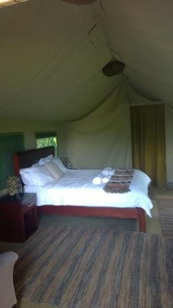 B'sorah Luxury Tented Camp: Inside