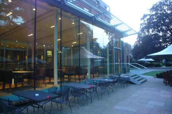 The Lensbury: Área do restaurante