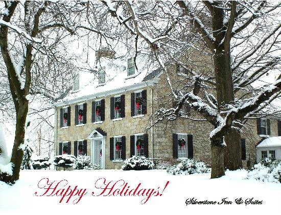 Silverstone Inn & Suites: Happy Holidays