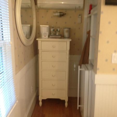Revere Guest House: Small But Well Designed Room #5. Corner Nook With Closet