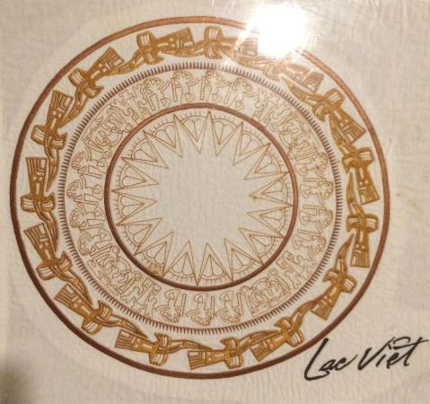 Lac Viet Bistro center table