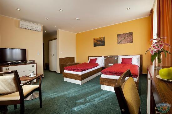 hotel viktor bratislava recenzie a porovnanie cien tripadvisor. Black Bedroom Furniture Sets. Home Design Ideas