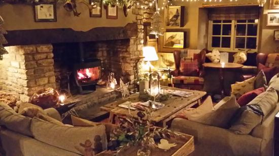 The Pheasant Hotel : Lounge with fire
