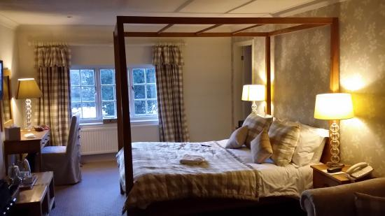 The Pheasant Hotel : Room overlooking duck pond