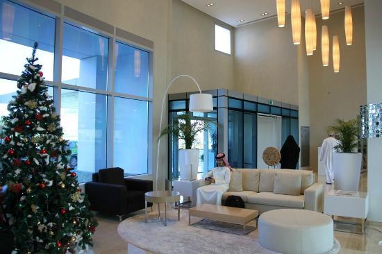 Holiday Inn Muscat Al Seeb: Lobby