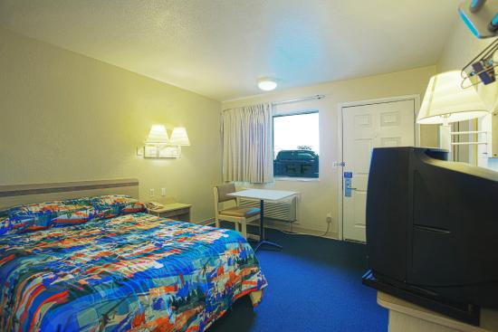 Motel 6 Charleston South: Guest Room