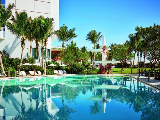 The Miami Beach Edition Sundial Pool
