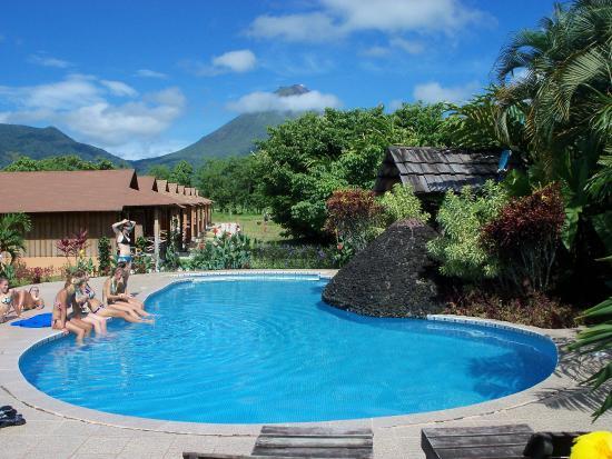 Hotel Arenal Montechiari: Hotel y alrededores