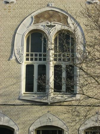 Cogels Osylei : A typcial example of Art Nouveau, with shades of Rennie Mackintosh