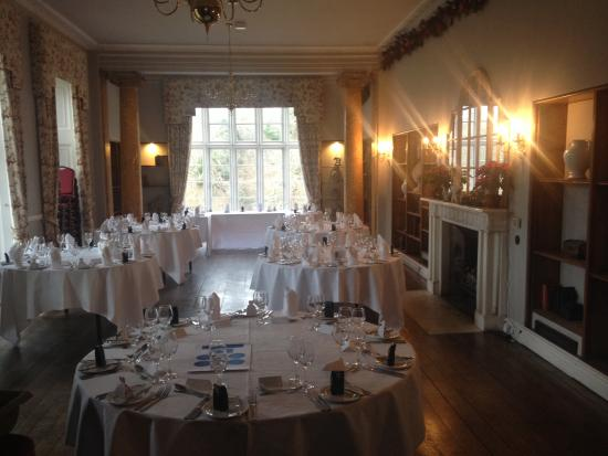 Kitley House Hotel: Library being prepared for the wedding breakfast