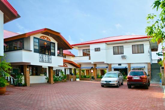 Isla Bonita Beach Resort Reception Parking