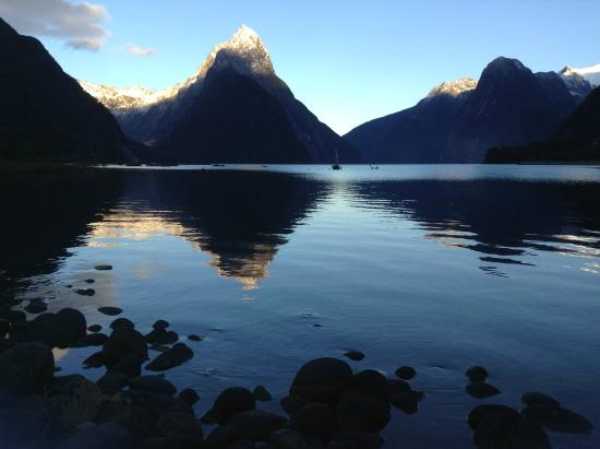 Capture New Zealand Photo Expeditions - Day Tours : First brush of light on Milford Sound