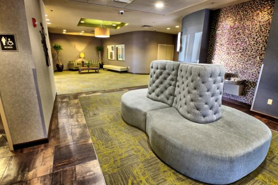 Riverwind Hotel: Lobby