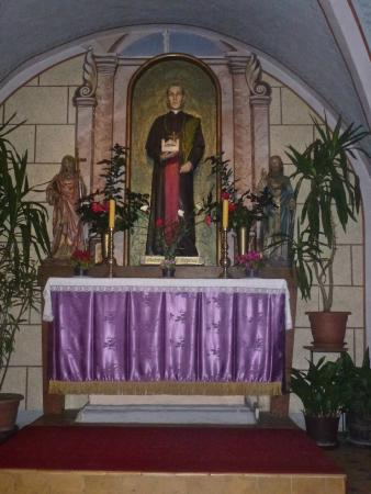 Side Alter Sacred hert of Jesu...