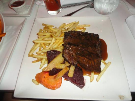 Houston Avenue Bar & Grill - Gatineau: My steak and fries