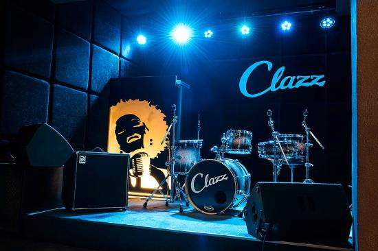Clazz : Stage with live music every night, which is quite extraordinary in Tallinn