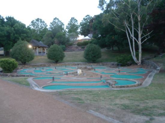 The Sebel Pinnacle Valley Resort - mini golf