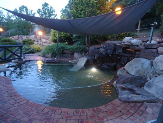 The Sebel Pinnacle Valley Resort  - pool area