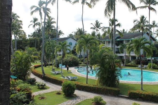 Hotel Residence Playa Colibri: vista della piscina al centro del residence