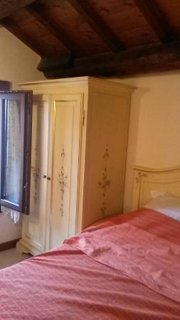 Al Gallo: Furniture - vintage style v. sweet