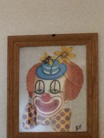 Clown Motel: The eyes don't really shift as you pass by. I don't think they do any way.