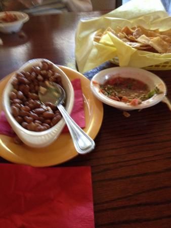 La Siesta Restaurant: La Siesta pinto beans - yum.
