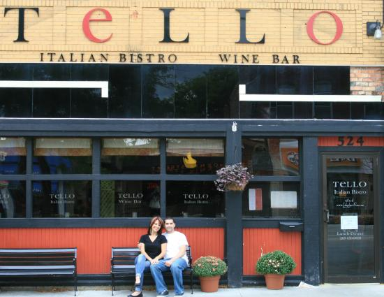 Tello Italian Bistro: In front of restaurant