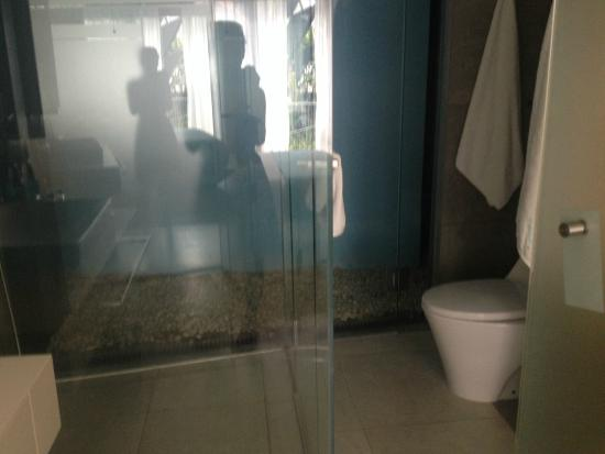 IZE Seminyak: Bathroom