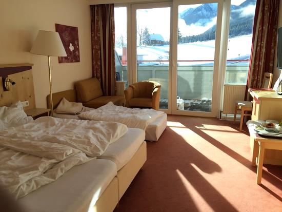 Aktivhotel Rohrmooserhof: Sunny room with great views