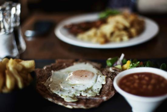 Jaks Bar & Steak House: Gammon steak