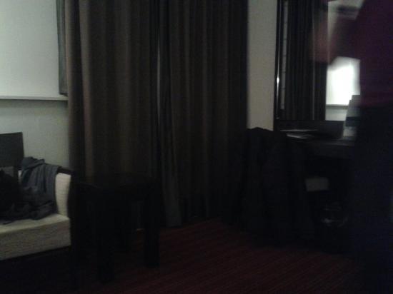 Hampshire Hotel - Oranje Leeuwarden : Our room