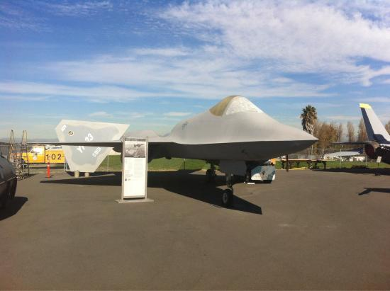 Western Museum of Flight: F-23 black widow