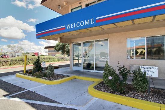 Motel 6 Santa Rosa: Exterior