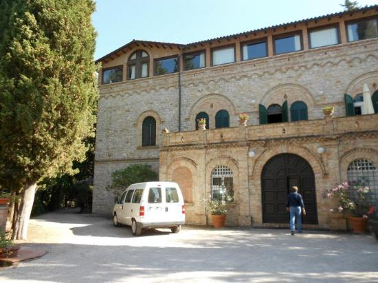 Villa Pieve Country House: Entrance