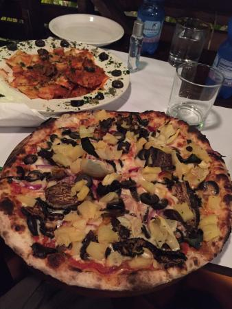 Ciao Pizza: Our yummmy pizza and shrimp pasta