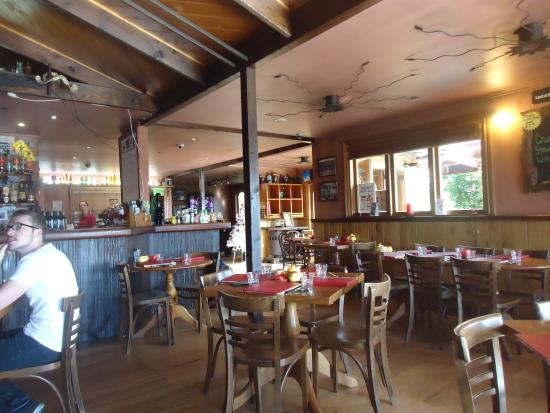 Cook Saddle Cafe & Saloon : Inside the cafe