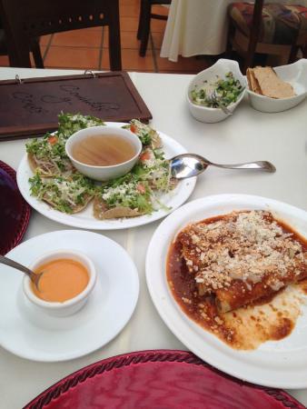 La Casa De Los Patios Hotel and Spa: La comida típica! Deliciosa!