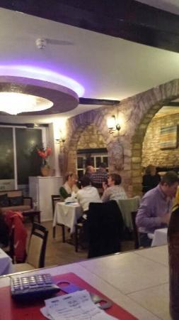 Saffron Lounge: Restaurant