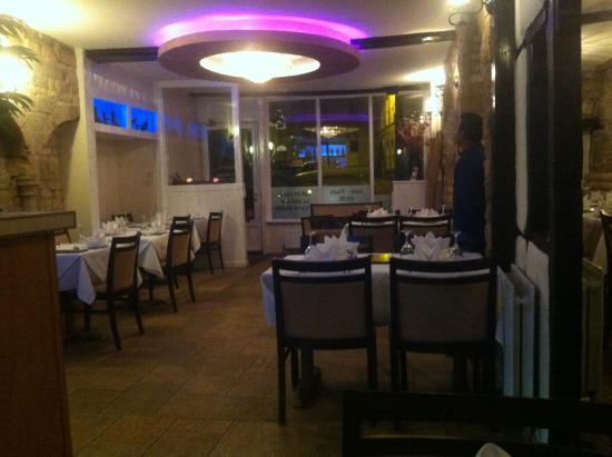 Saffron Lounge: Main restaurant