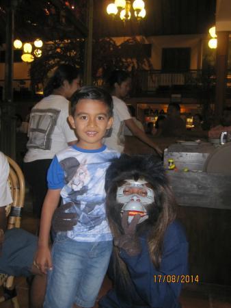Seminyak Paradiso Hotel: Geraldo & Monkey
