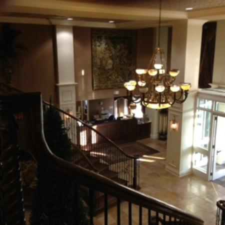 The Coldwater Inn: Second floor overlooking entrance lobby
