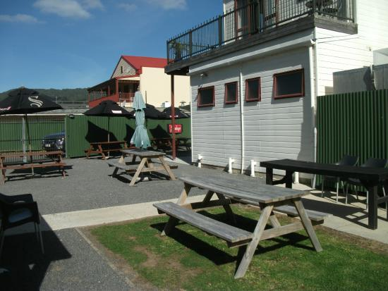 Admirals Restaurant: Beer garden
